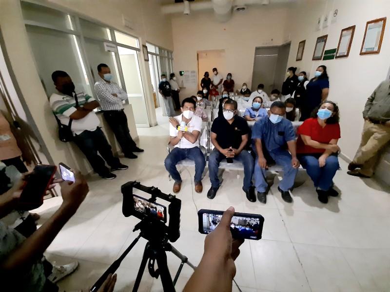 Personal médico condena invasión de predios frente al CESSA Tehuantepec