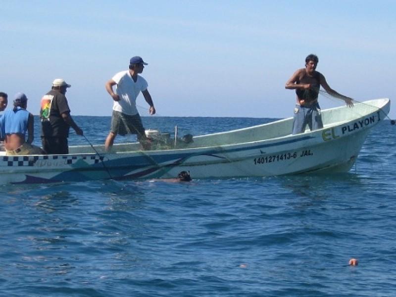 Pescadores de Guaymas migran ante escasez de producto del mar