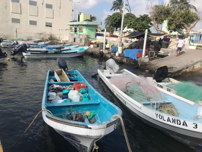 Pescadores se preparan para huracán