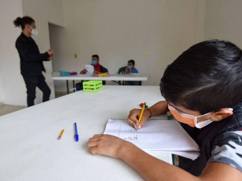Pese a aumento de casos preparan regreso a clases