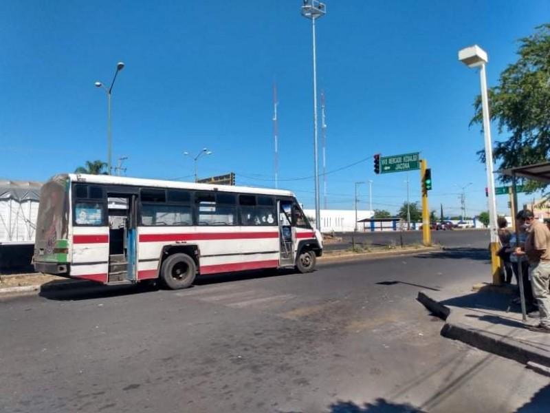 Pese a crisis financiera, descartan transportistas aumento de tarifas