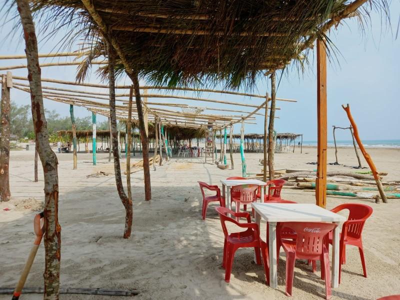Pese a daños, llega turismo a playas de Tuxpan