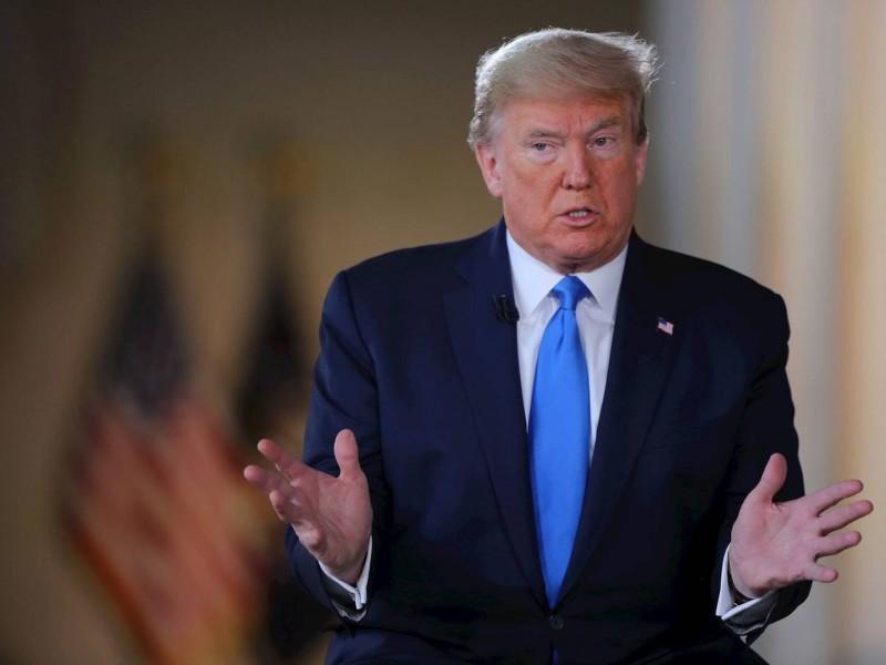 Pese a rebrotes de covid-19, Trump celebra mitin de campaña