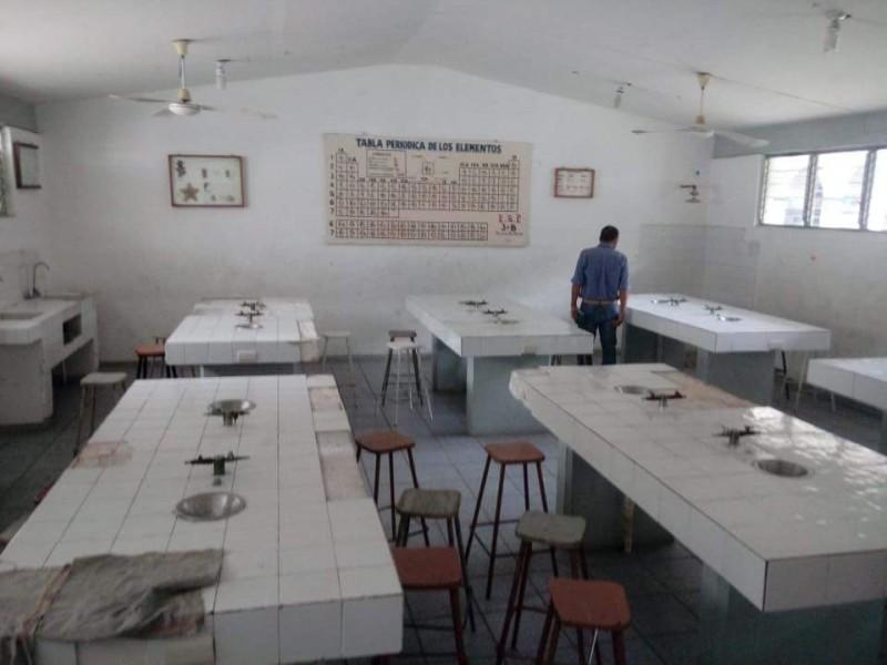 Pésimas condiciones de escuela en TGZ
