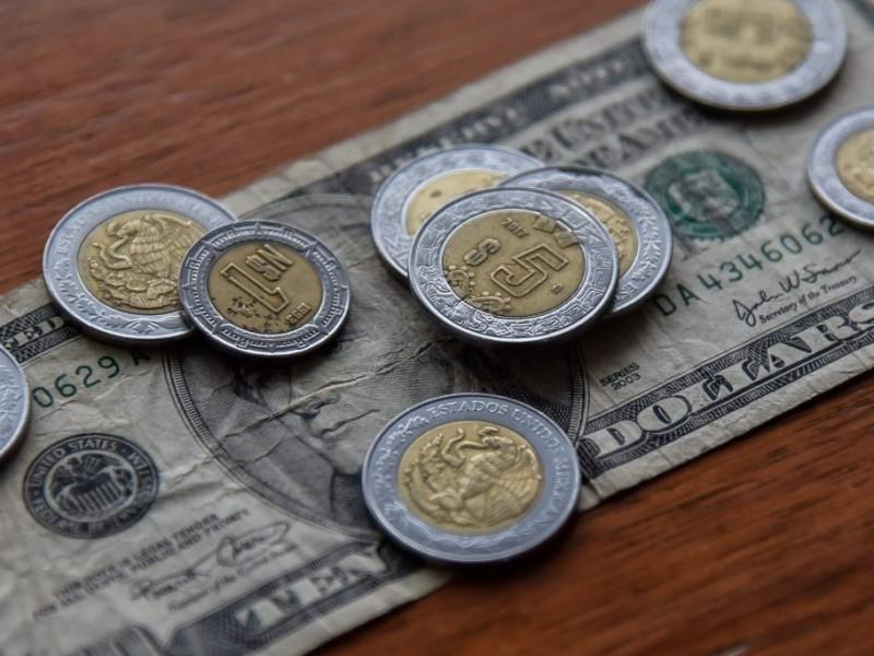 Peso cierra con ganancias por novena semana consecutiva