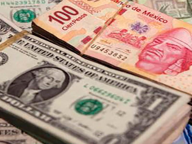 Peso registra leve caída semanal