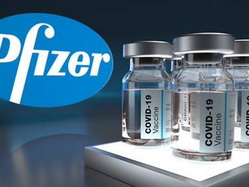 Pfizer busca que aprueben tercera dosis de su vacuna