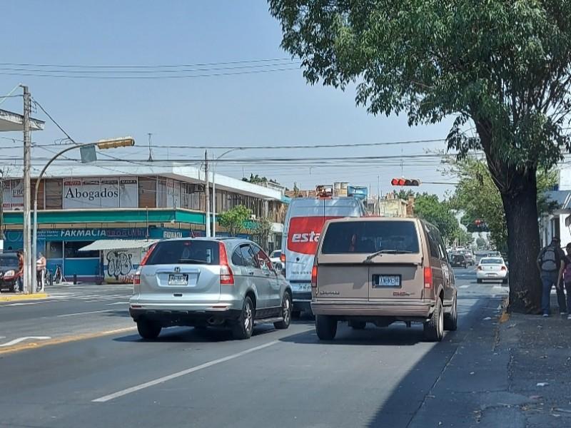 Pide CANACO eficientar verificación vehicular temporal para turistas