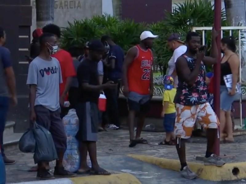 Pide comerciantes vacunación Anti-Covid-19 a migrantes ante aglomeraciones