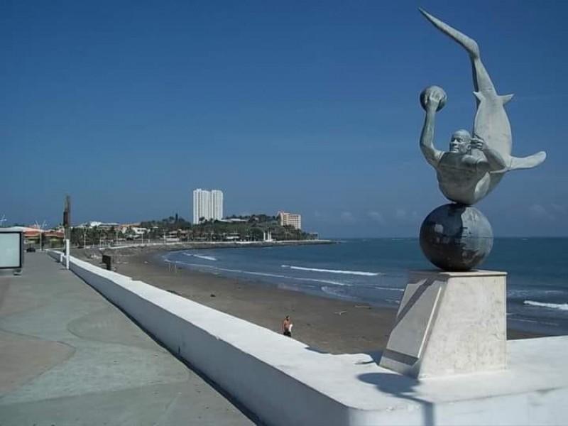 Pide comunidad artística regreso de escultura