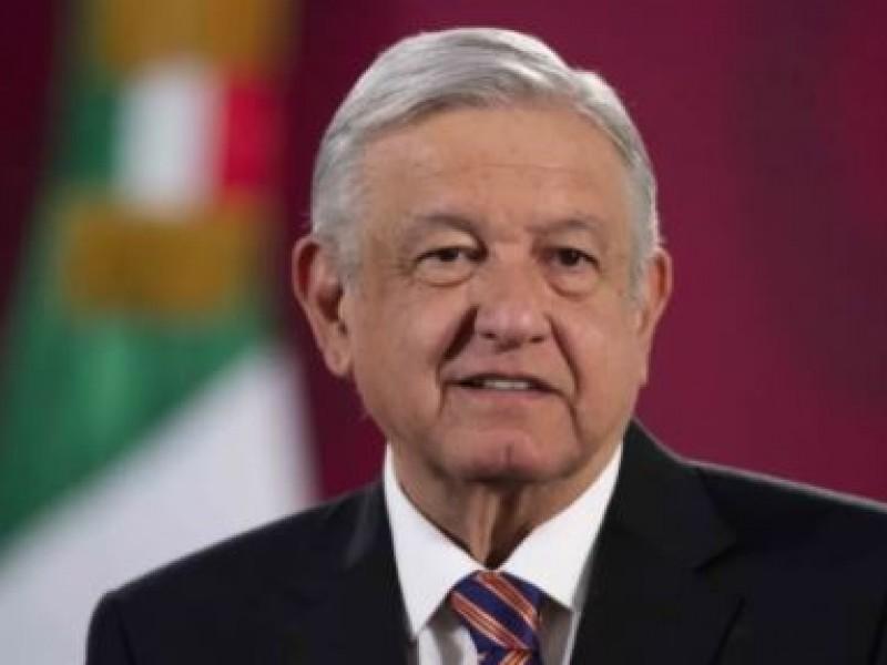 Pide López Obrador quedarse en casa durante fiestas navideñas