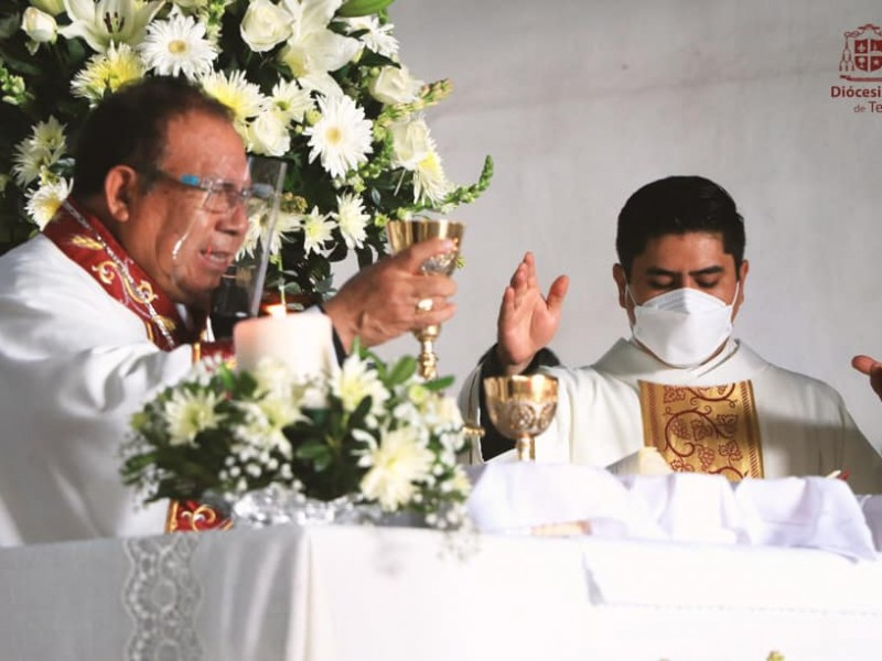 Pide Obispo a Gobernador rescatar valores tradicionales familiares