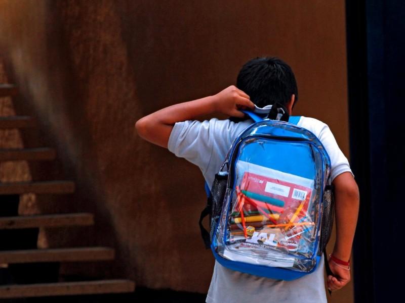 Piden abrir las escuelas a pesar de la pandemia