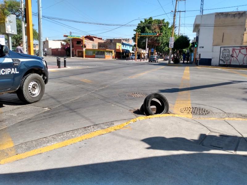 Piden apoyo para reparar registro en Ciudad Aurora