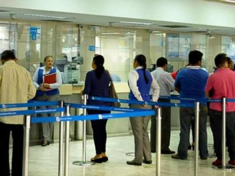 Piden autoridades discreción al ir a un banco