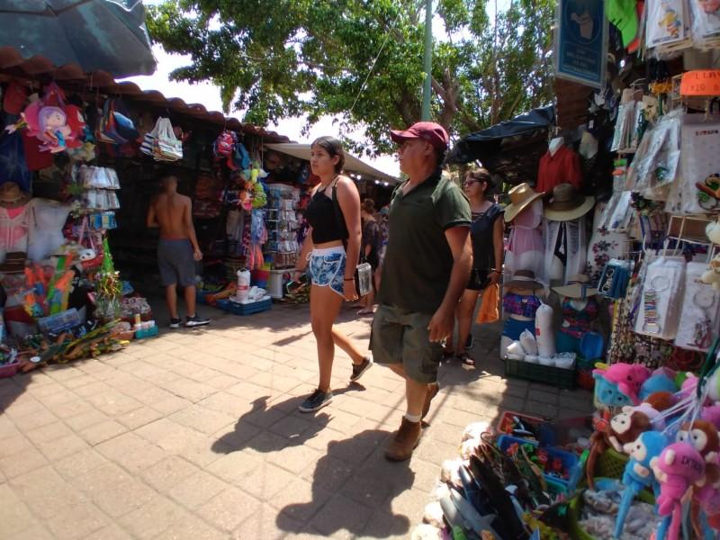 Piden colocación de filtros y sanitización en playa Linda, Ixtapa