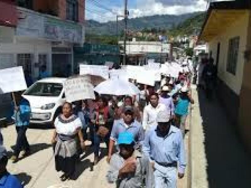 Piden comunidades indígenas condonación de adeudos a CFE