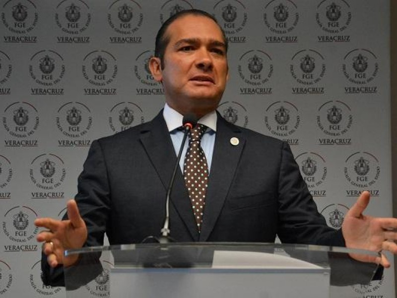 Piden ficha roja contra exfiscal de Veracruz