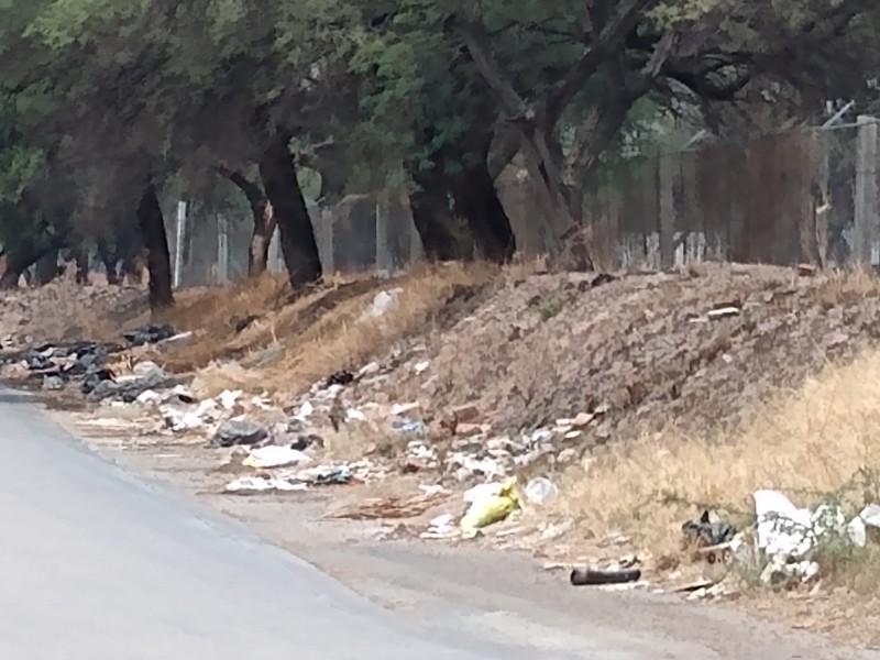 Piden limpieza en avenida Ojo de Agua