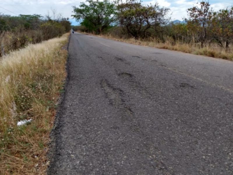 Piden mejorar carretera a La Concordia, está llena de baches