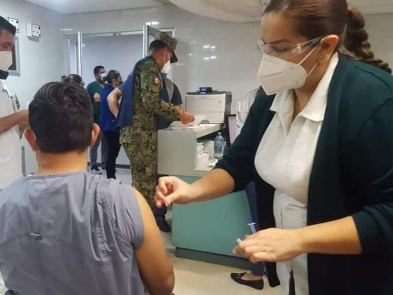 Piden parar manoteo en aplicación de la vacuna covid-19