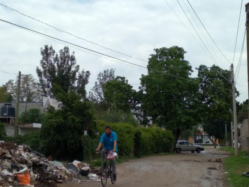 Piden pavimentación en calle Alfalfa