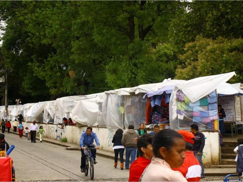 Piden pobladores, se despeje plaza de Santo Domingo