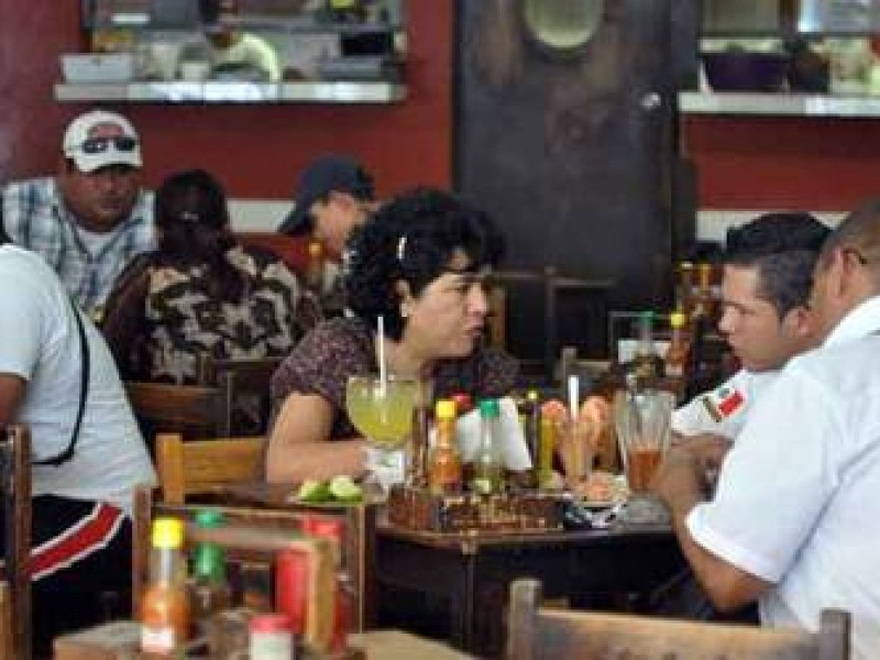 Piden reapertura de restaurantes tras liberación de ley seca