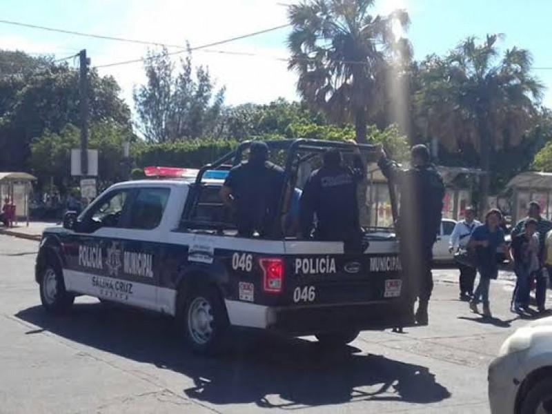 Pierde batalla contra Covid-19 elemento de la policia municipal