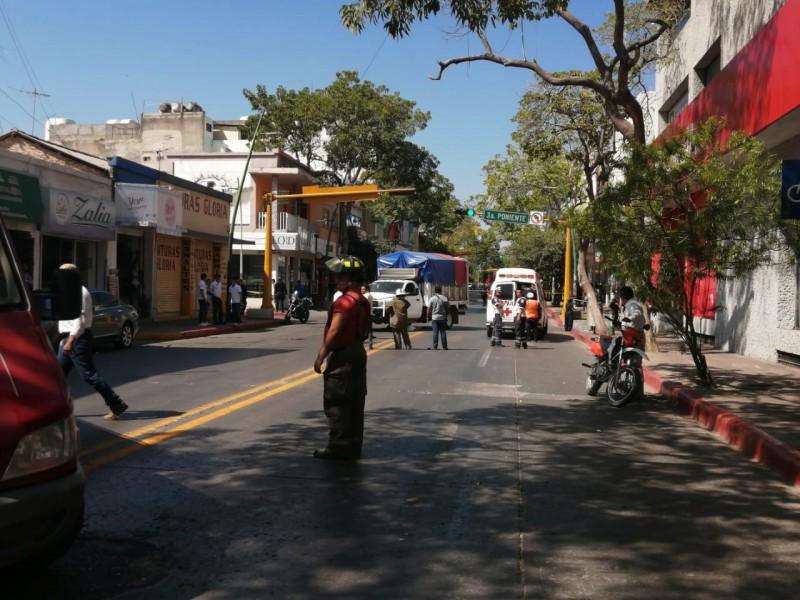 Pierde la vida mujer embestida en avenida central