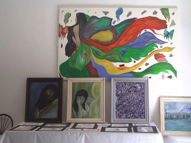 Pintora Nogalense realiza exposición de pinturas...