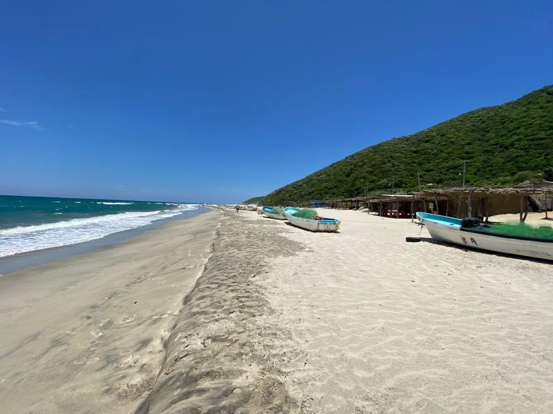 Playa Chipehua libre de COVID, pero reforzando medidas estas vacaciones