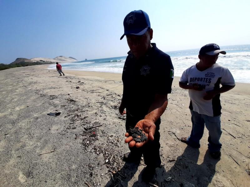 Playas de Guelaguichi registran contaminación por hidrocarburo