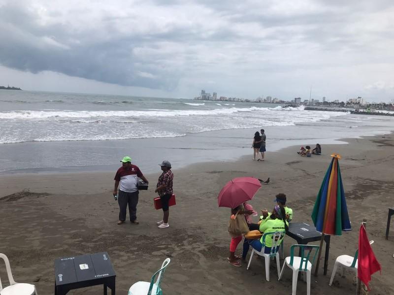Playas de Veracruz cerradas a los visitantes por fuerte oleaje