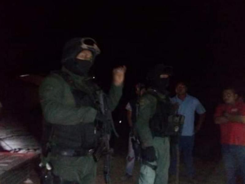 Pobladores de Álamo contra Fuerza Civil