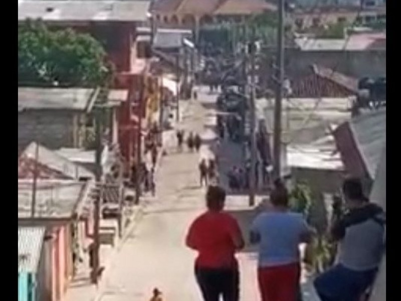 Autodefensas toman Pantelhó. Catean e incendian viviendas