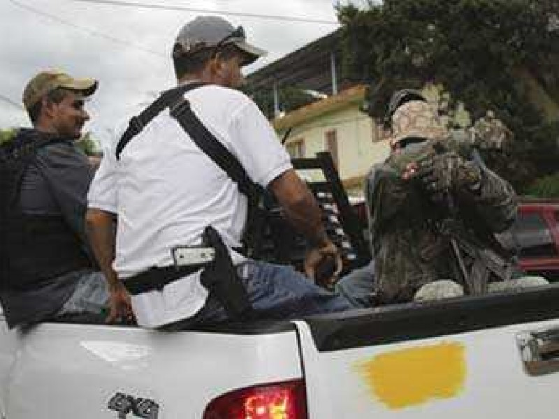 Pobladores de Tancítaro reportan enfrentamiento en