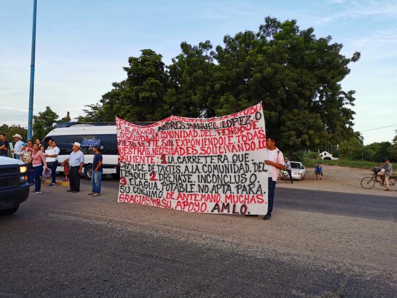 Pobladores del 2 Abril esperan Obrador