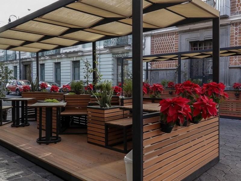 Poblanos ven como funcionales las terrazas móviles del centro