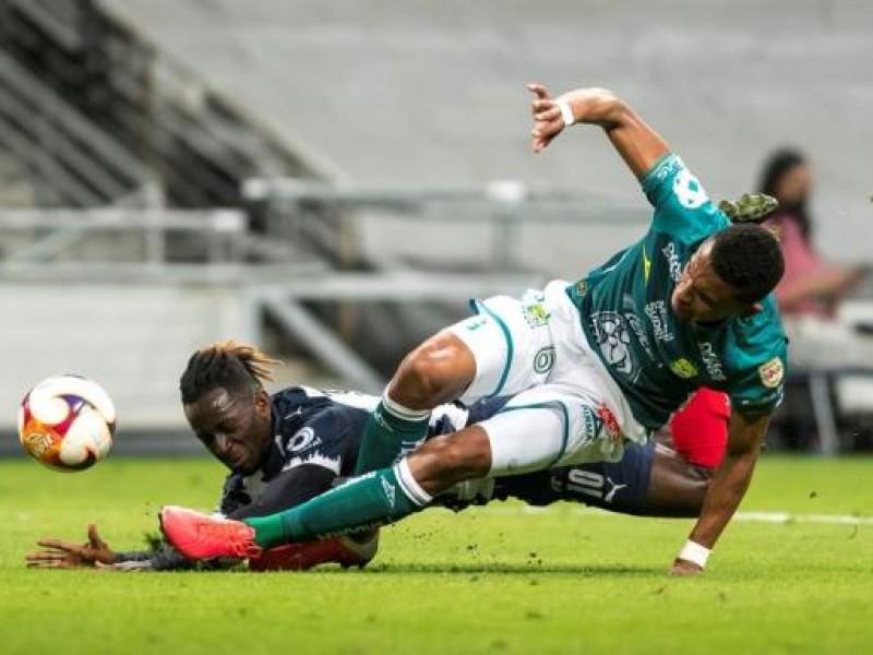 Polémico penal arrebata triunfo a Club León