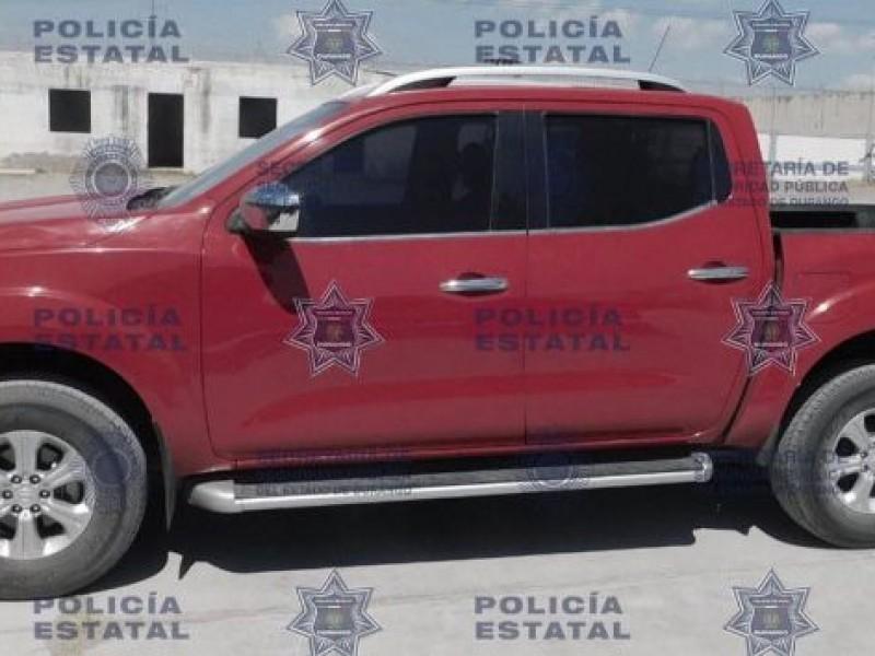 Policía Estatal asegura vehículo robado y detiene a su conductor