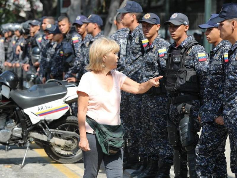 Policía impide en Caracas marcha
