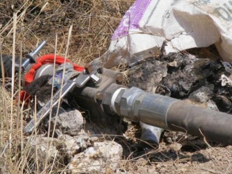 Policías aseguran toma clandestina de hidrocarburos en Acambay