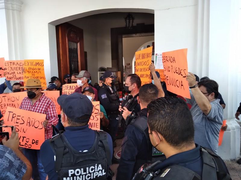 Policías de Culiacán continuan con protestas contra Estrada Ferreiro