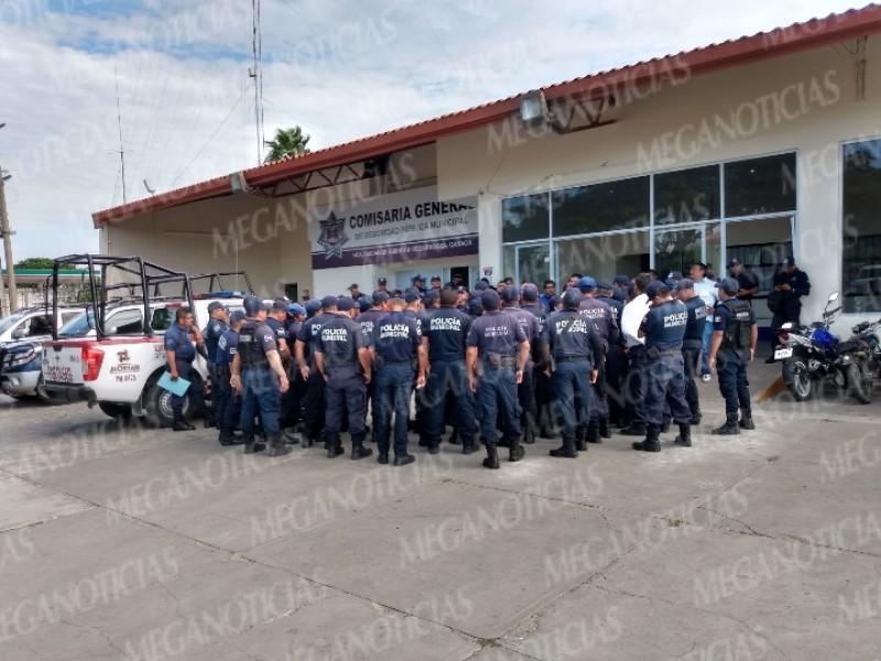 Policias de Juchitán demandan aumento salarial