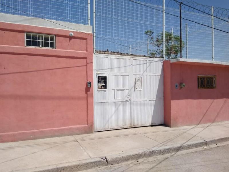 Policías estatales agreden y detienen a migrantes en Torreón