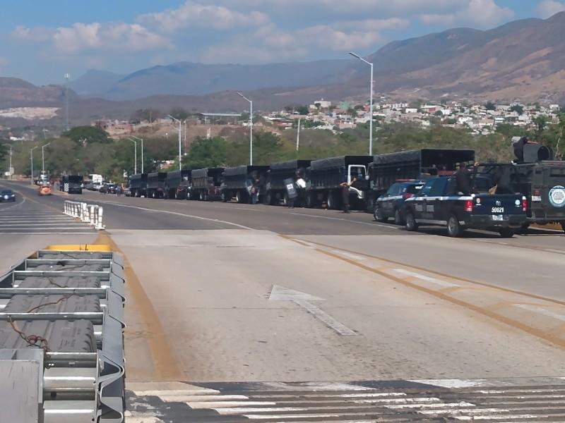 Policías estatales resguardan casetas por movilizaciones campesinas