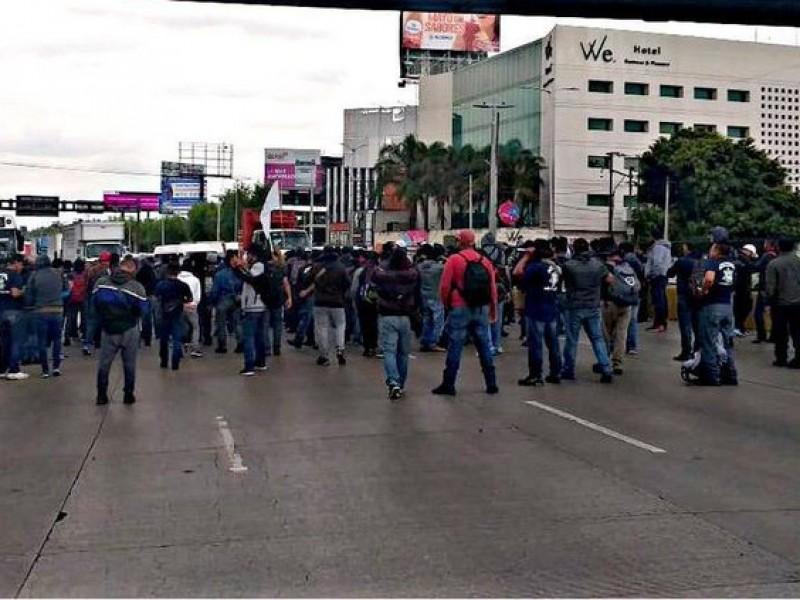Policías Federales bloquean acceso al Aeropuerto
