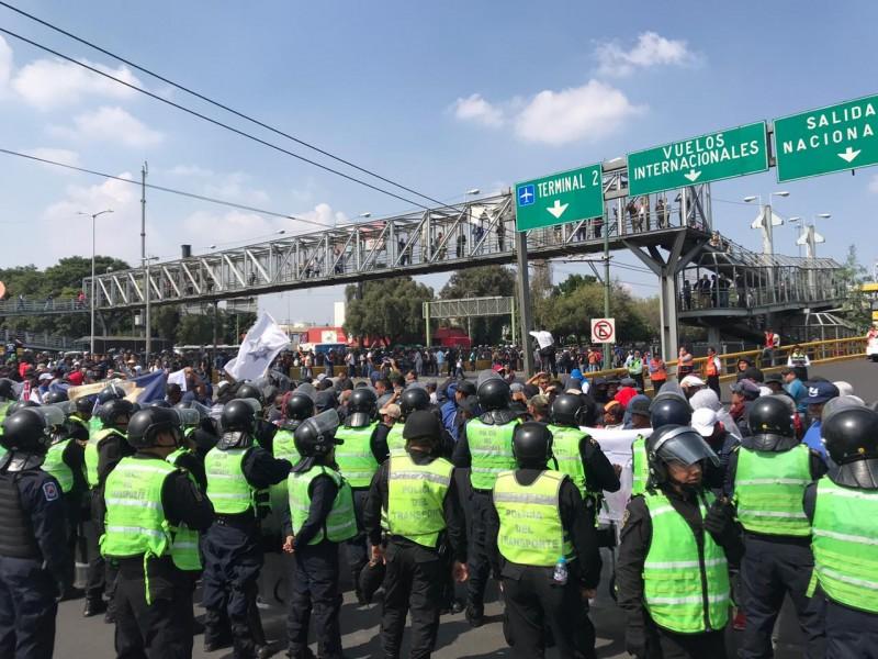 Policías Federales bloquean accesos al Aeropuerto de CDMX