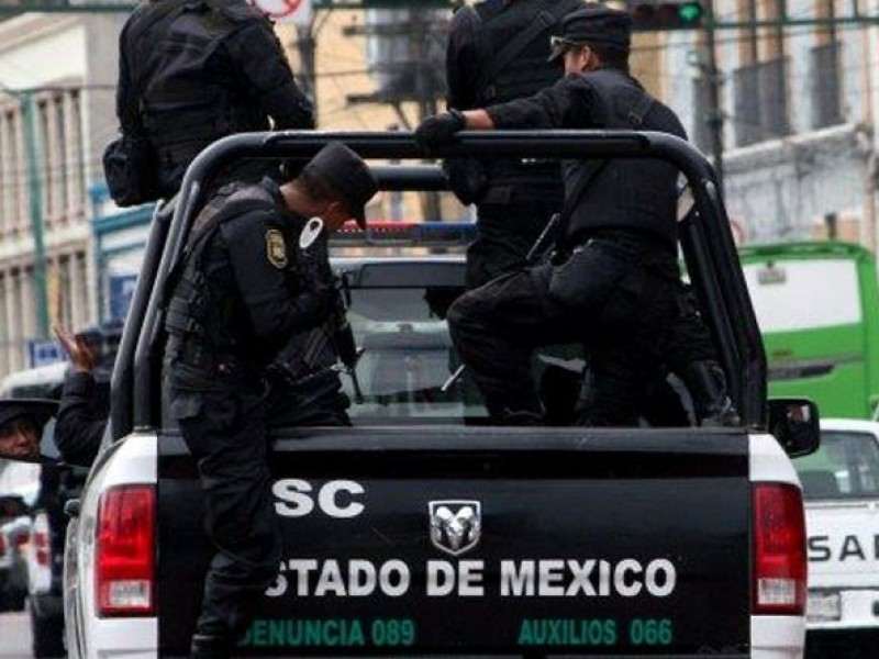 Policías mexiquenses capturan a dos asaltantes en Ecatepec